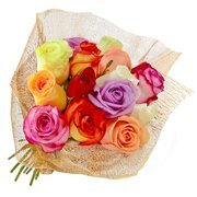 Fascínio de 12 Rosas Coloridas