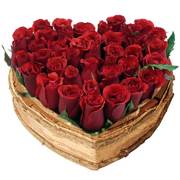 Coração Chic de Rosas Vermelhas
