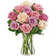 Luxuosas 12 Rosas Mescladas no Vaso