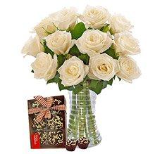 Luxuosas 12 Rosas Brancas e Brigadeiro