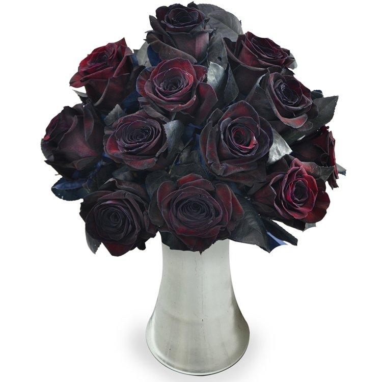 Luxuosas 12 Rosas Pretas