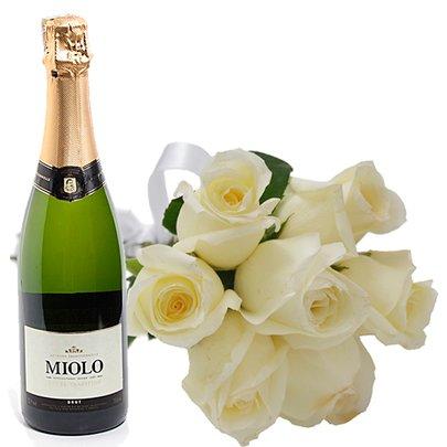 Espumante com 7 Rosas Brancas
