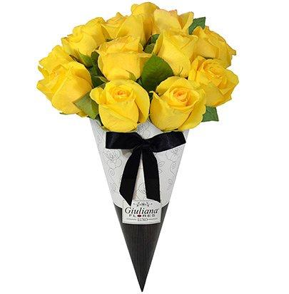 Magnífico Cone de Rosas Amarelas