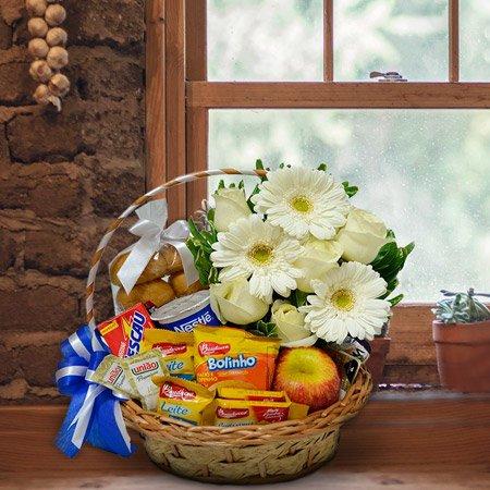 Cesta de Café da Manhã com flores para o vovô