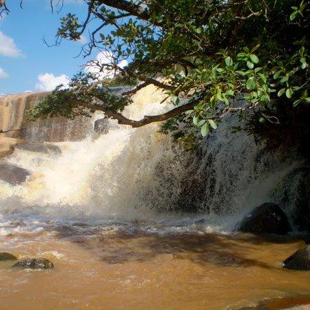 Foto da Cidade de Candeias - Cachoeira Usina Velha