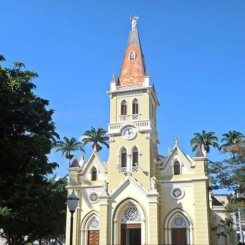 Foto da Cidade de Caratinga - Catedral São João Batista