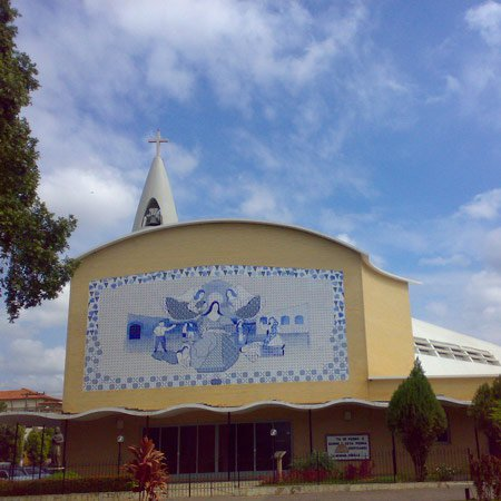 Foto da Cidade de Cataguases - Catedral Santa Rita