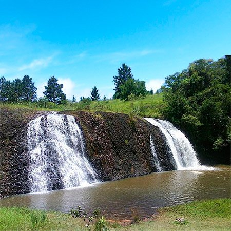Foto da Cachoeira Véu de Noiva