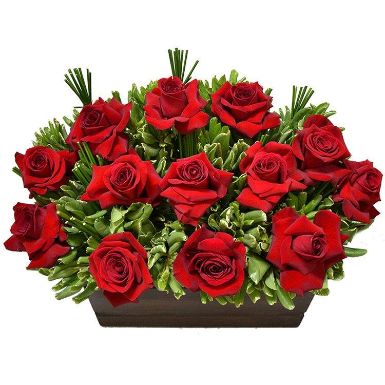 Exuberante Arranjo de Rosas Vermelhas