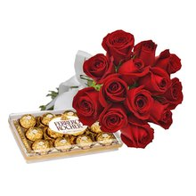 Buquê de 12 Rosas Vermelhas e Ferrero para o janeiro apaixonado