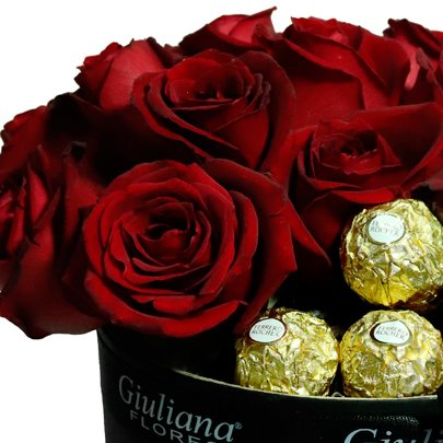 Majestoso de Rosas com Chandon e Ferrero Rocher