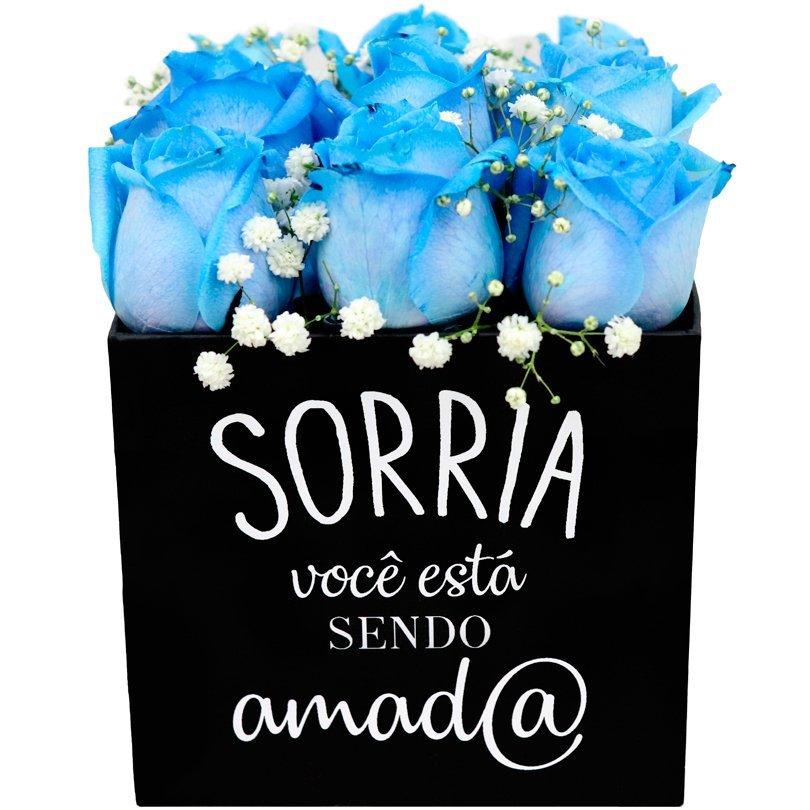Rosas Azuis no Box Sorria você está sendo Amado
