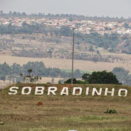 Letreiro na entrada de Sobradinho