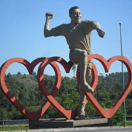 Estátua do Pelé